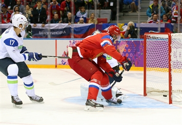 Russia opens with win