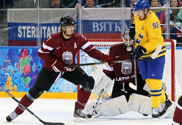 Tre Kronor to the QF